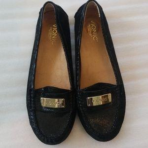 Vionic size 9 black shiny loafers